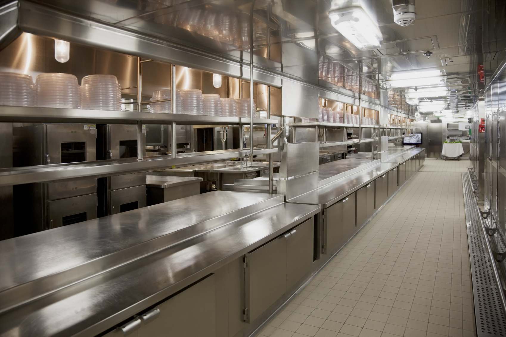 Commercial kitchens comar castle for Kitchen setups interior